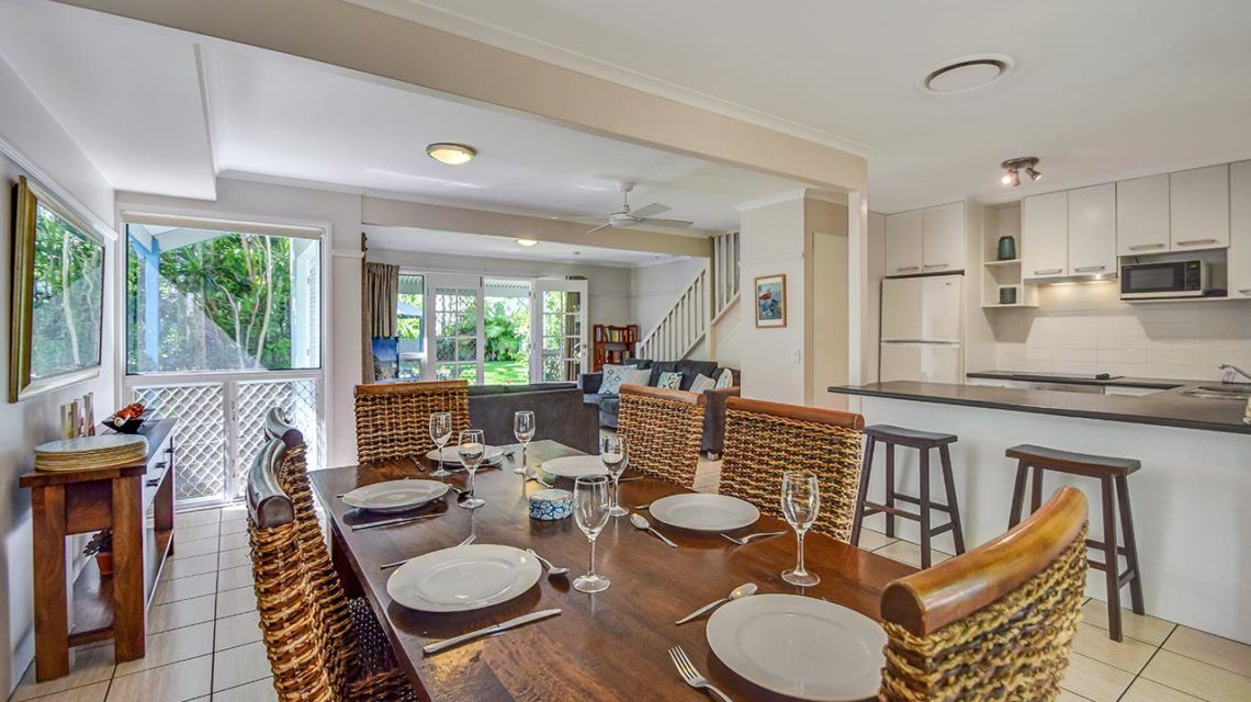 noosa accommodation - coco bay resort noosaville